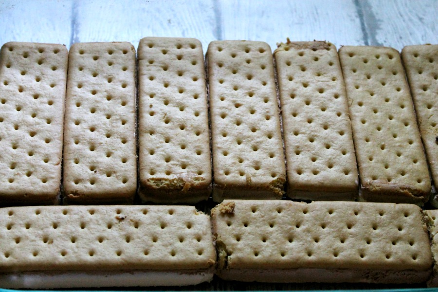 Vanilla Ice Cream Sandwiches for Golden Oreo Strawberry Ice Cream Sandwiches