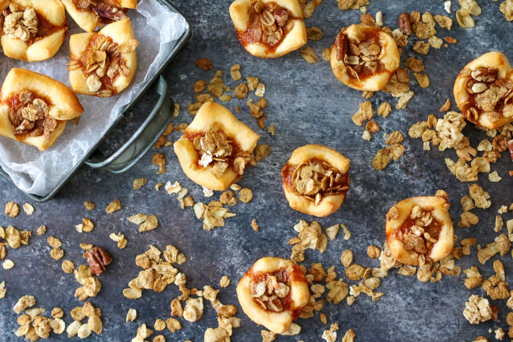Sweet Potato Pies with Crunchy Pecan Topping (1 of 1)